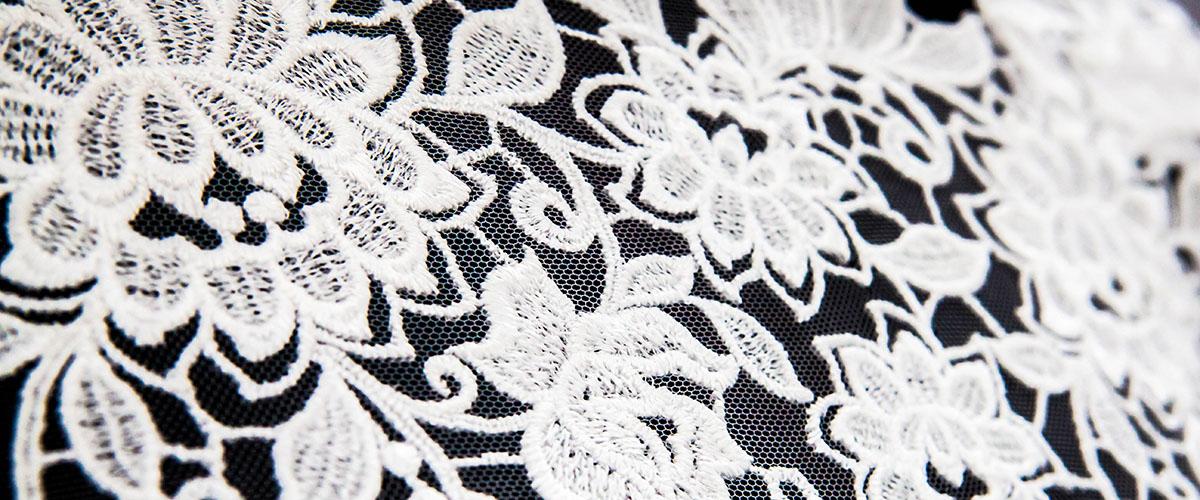 koronka na suknię ślubną