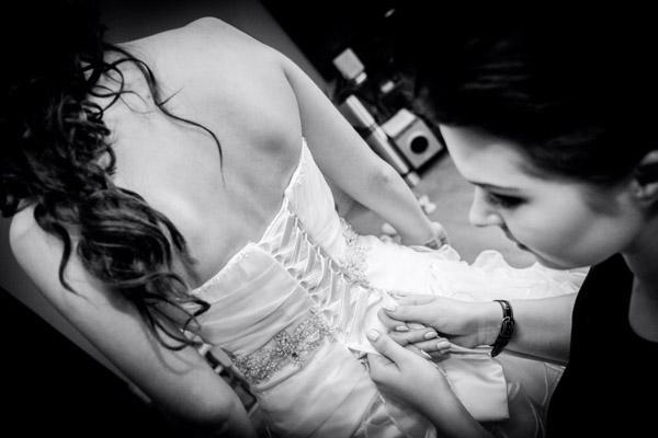 Wiązana suknia ślubna