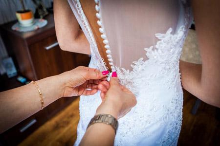 Suknia ślubna zasuwana na zasuwak